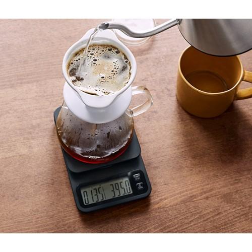 Digitální váha na kávu