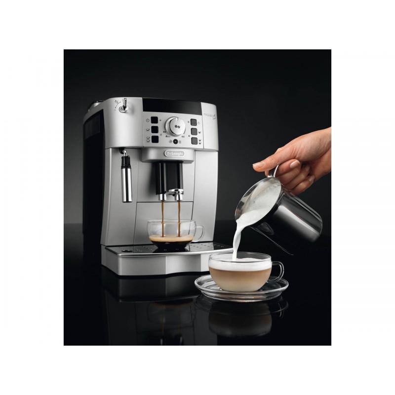 Kávovar DeLonghi MAGNIFICA S ECAM 22.110.SB