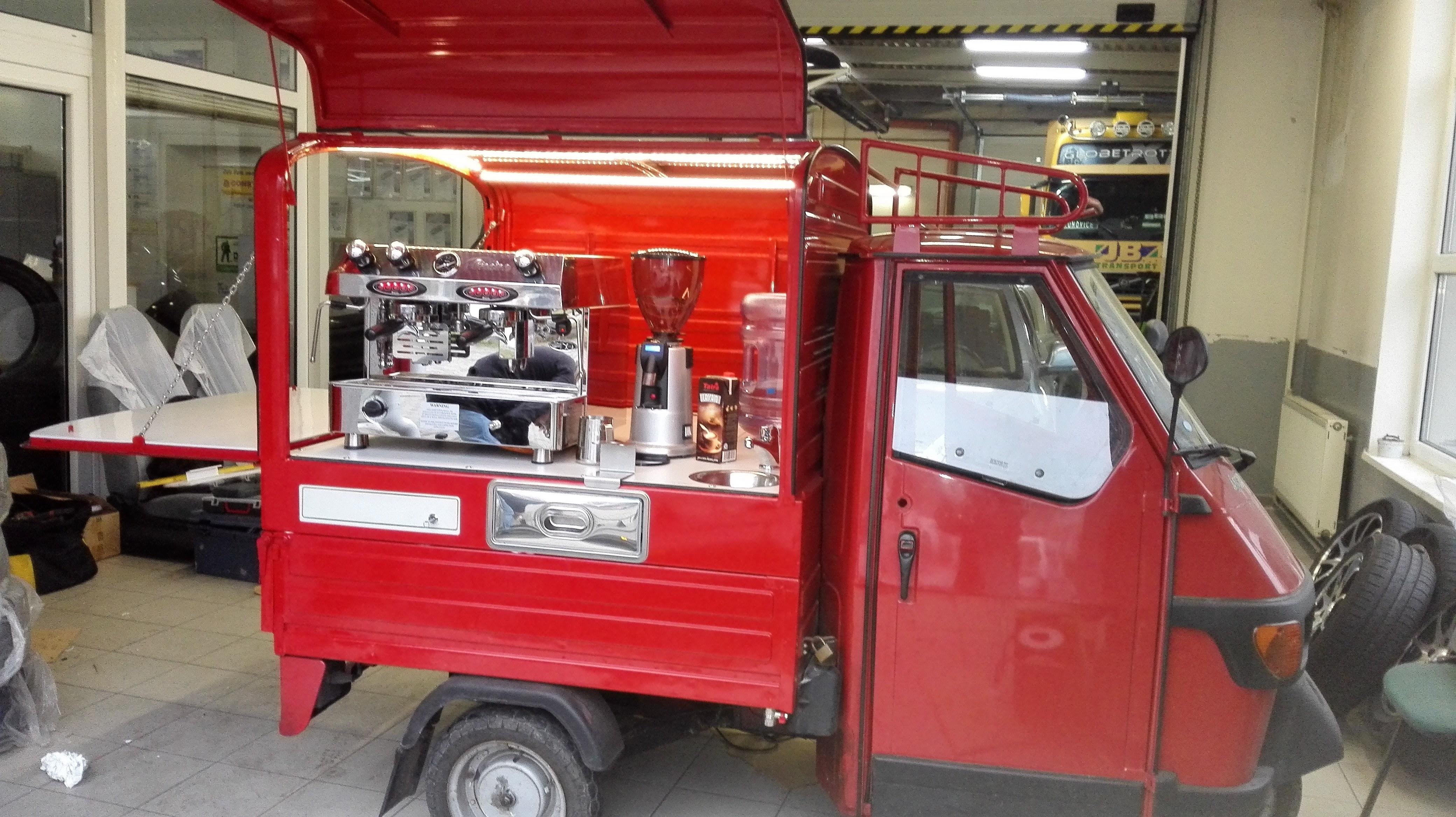 Piaggio mobilní kavárna caffe to go  - FRACINO Contempo