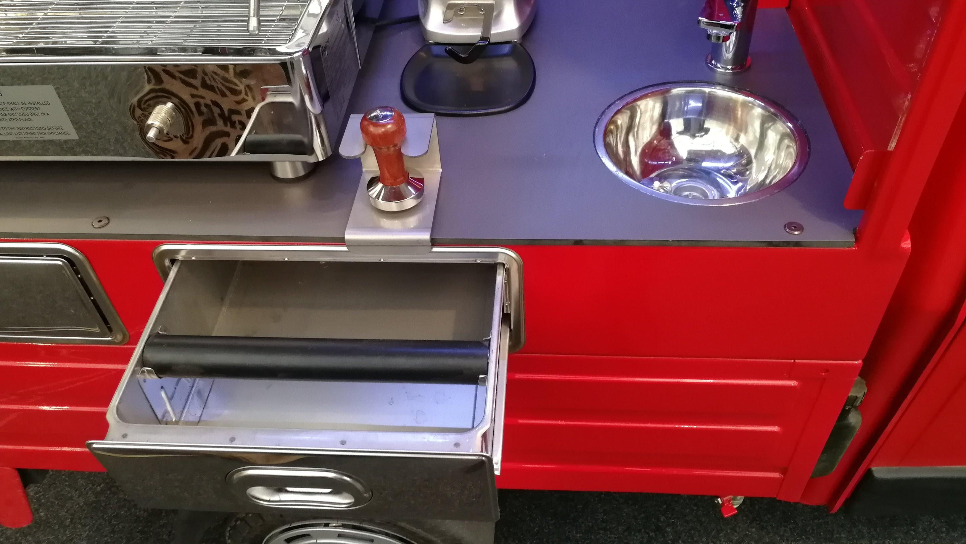 Piaggio APE 50 espresso stánek