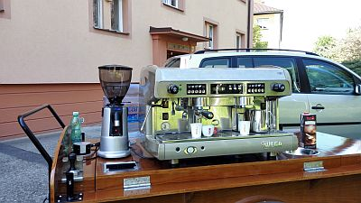 Mobilní kavárna kávovar WEGA